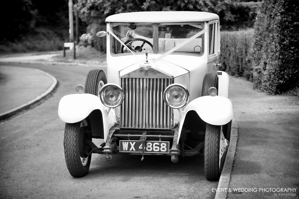 Your carriage awaits! by Northamptonshire wedding photographer Karl Drage