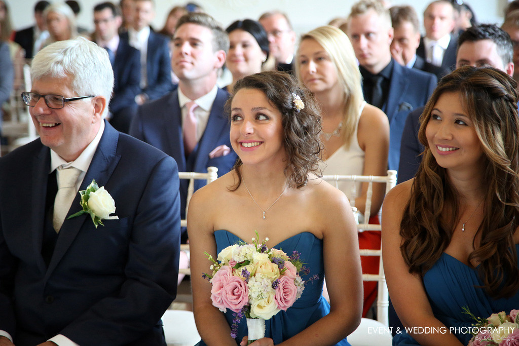 Emotional crowd reactions, by Northamptonshire wedding photographer Karl Drage